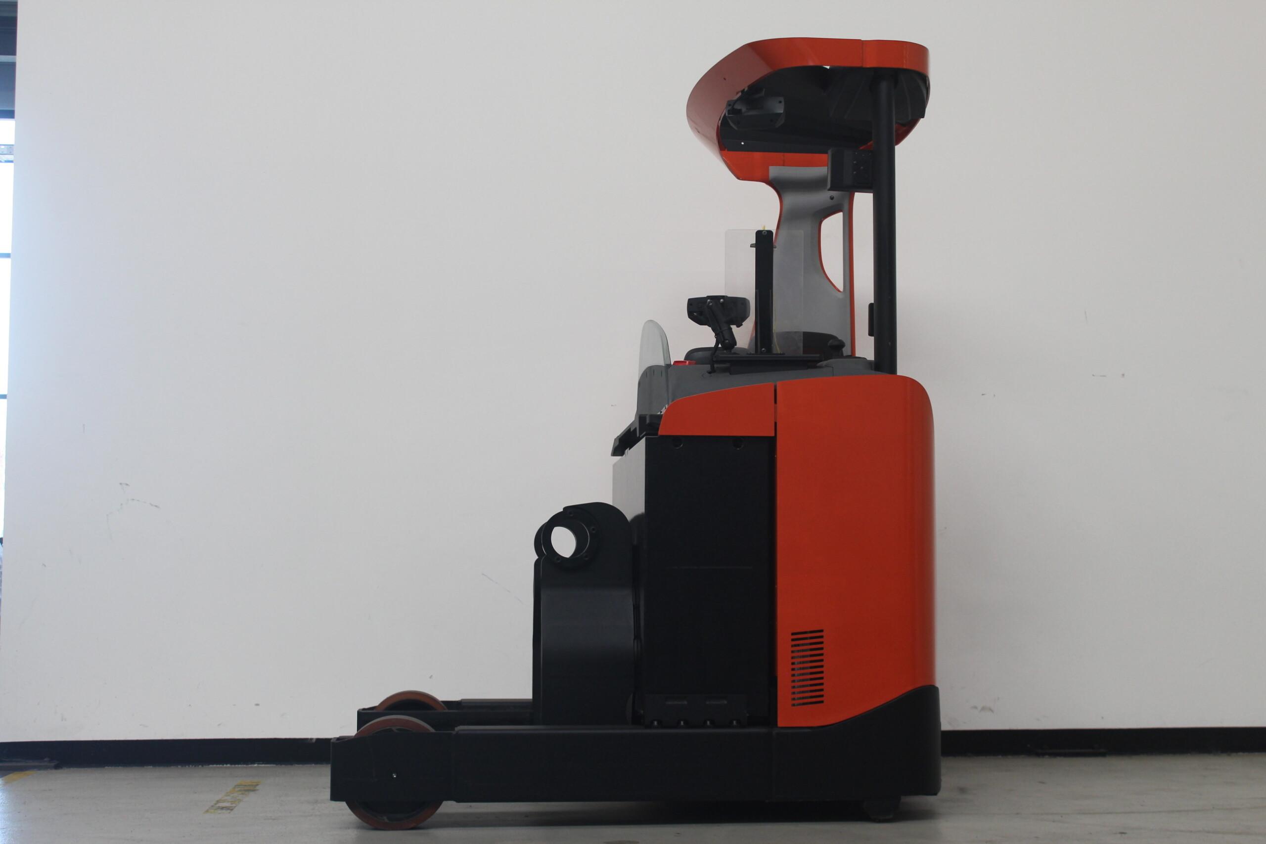 Toyota-Gabelstapler-59840 1611023059 1 5 scaled