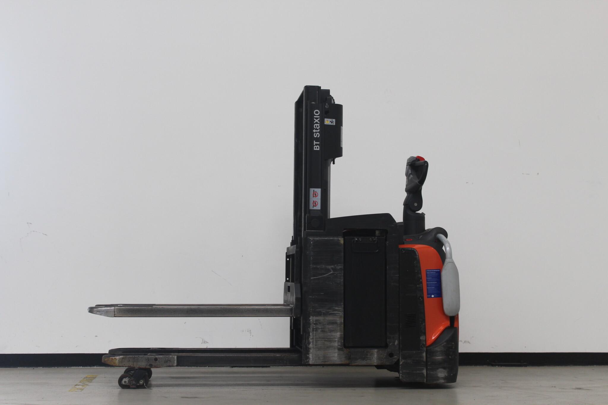 Toyota-Gabelstapler-59840 1611031913 1 scaled