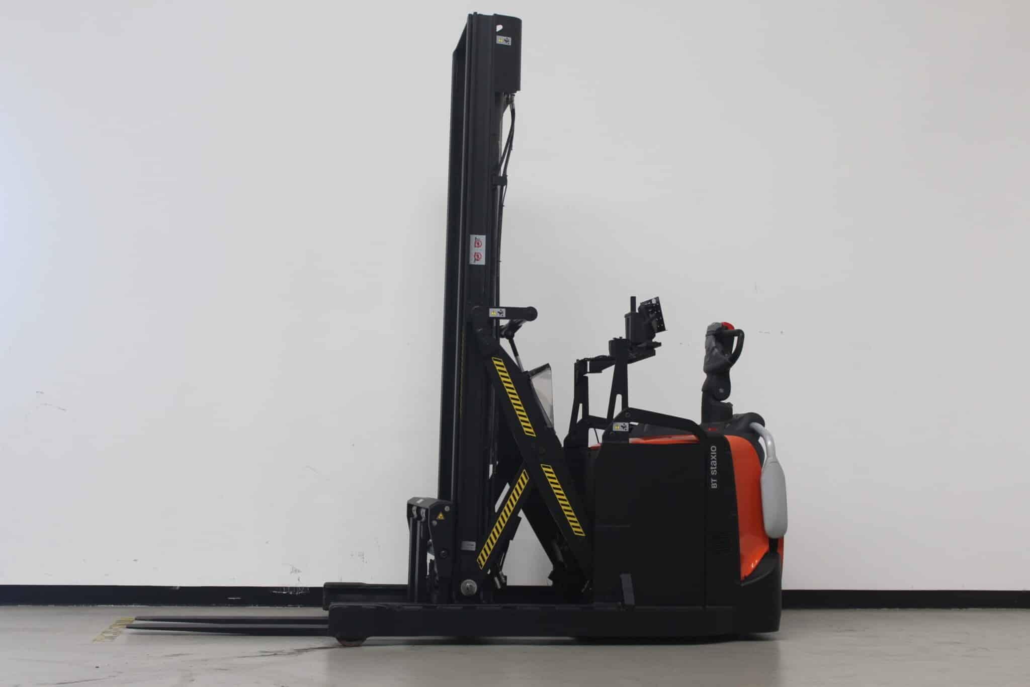 Toyota-Gabelstapler-59840 1701036723 1 51 scaled