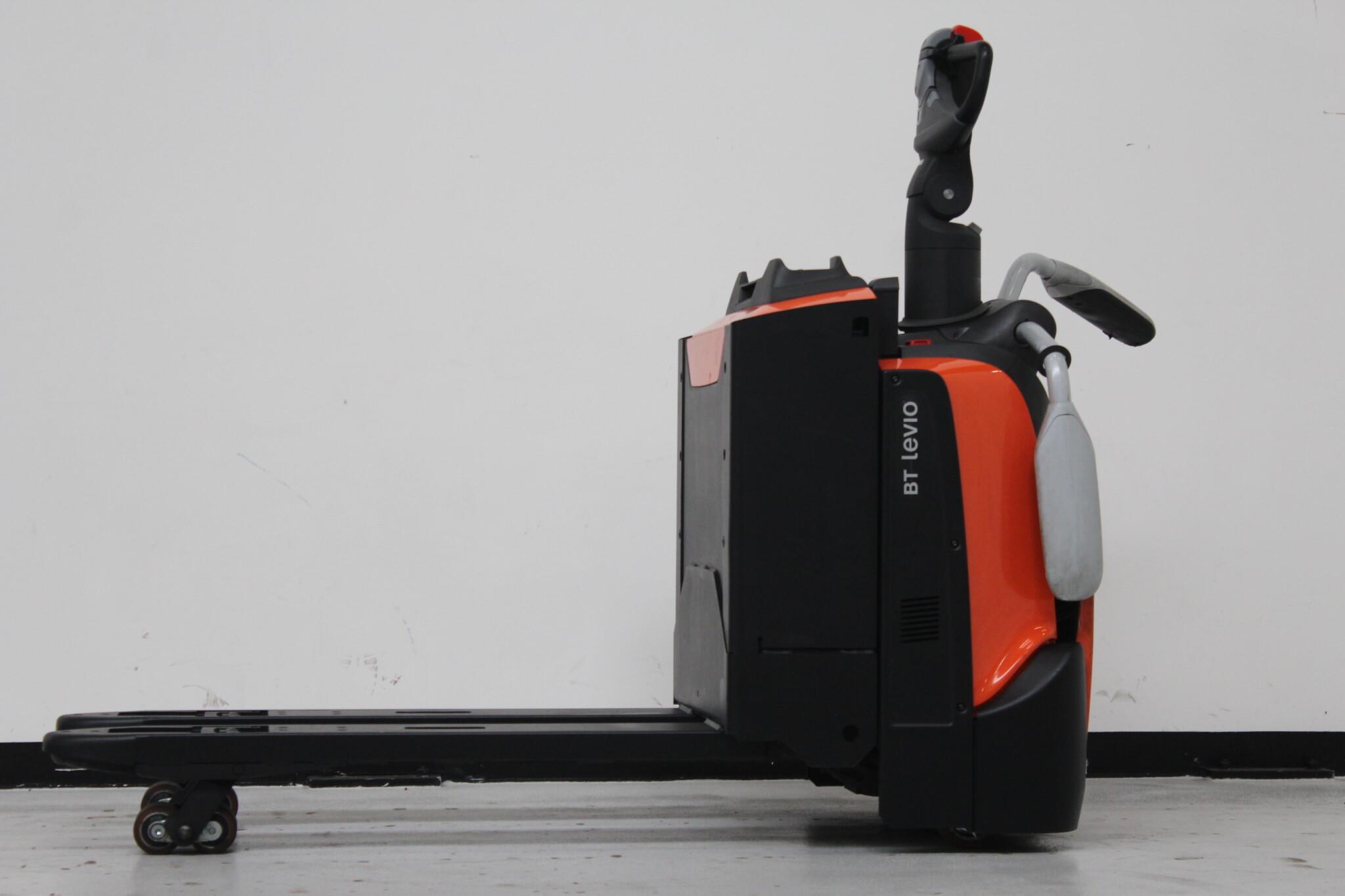 Toyota-Gabelstapler-59840 1702005293 1 scaled