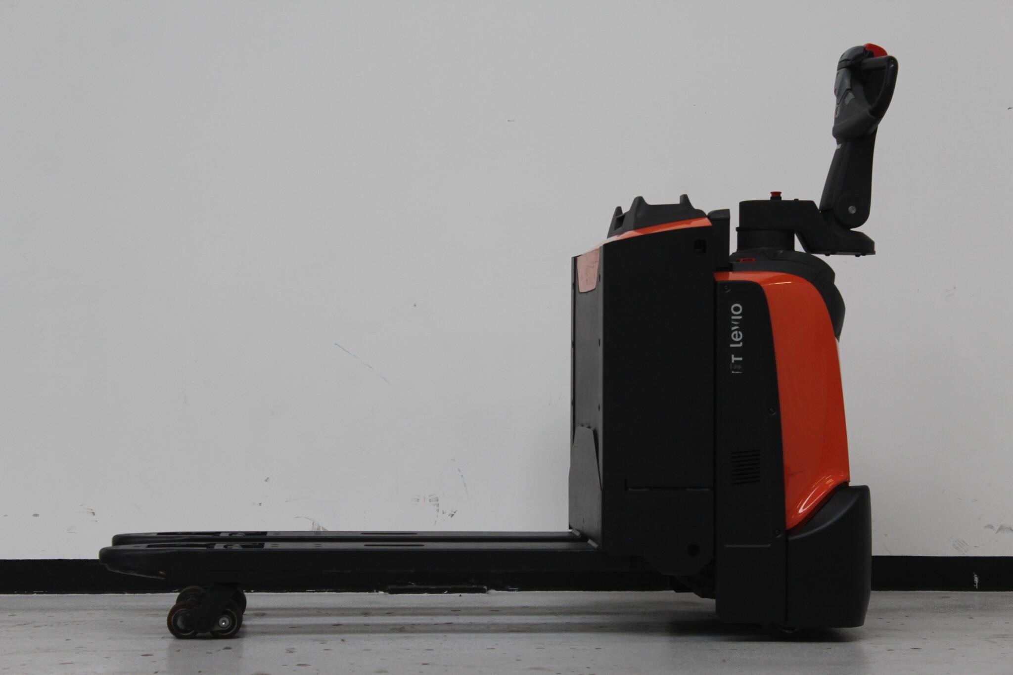 Toyota-Gabelstapler-59840 1702014784 1 scaled