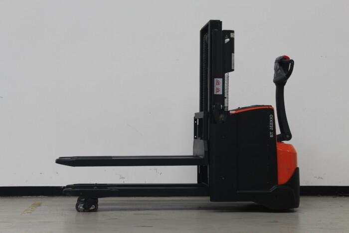 Toyota-Gabelstapler-59840 1702018646 1 scaled