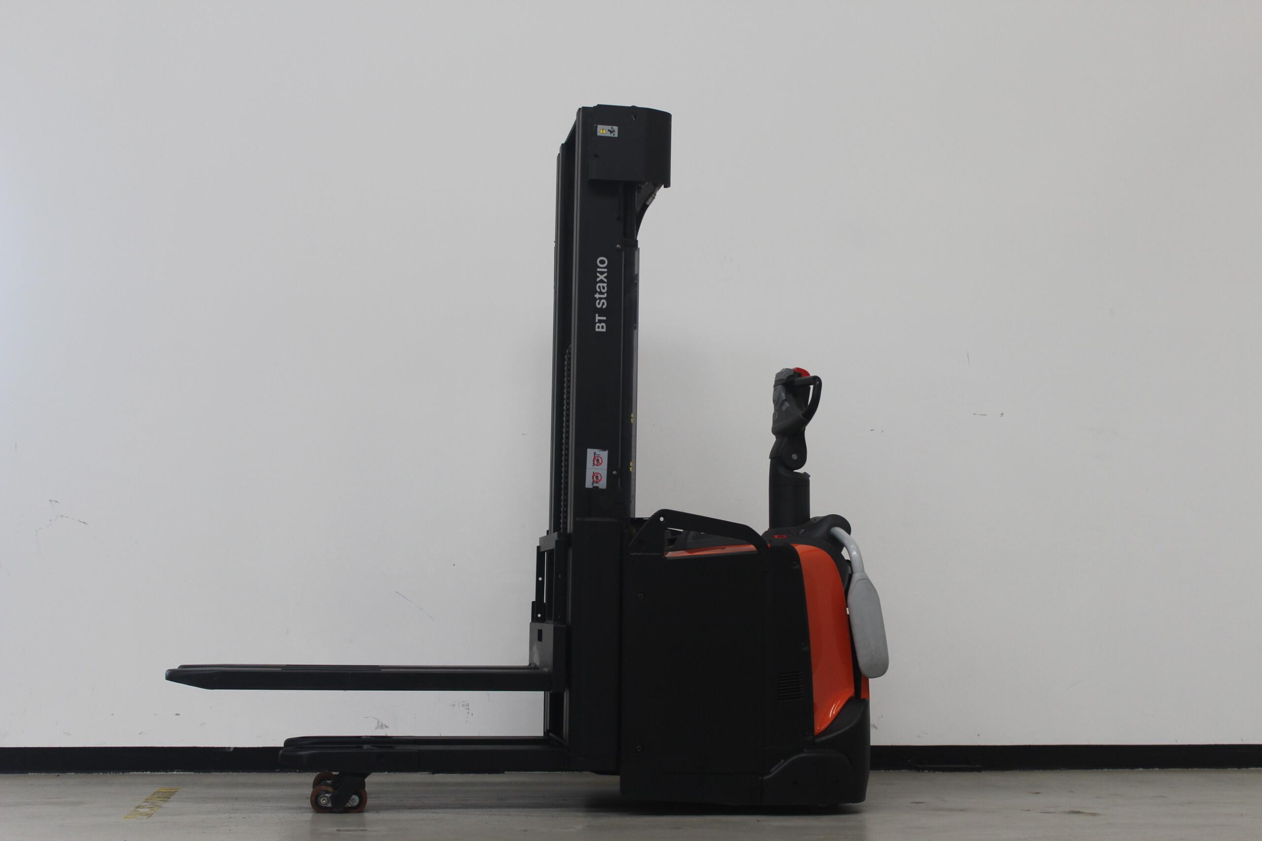 Toyota-Gabelstapler-59840 1703009369 1 71 scaled