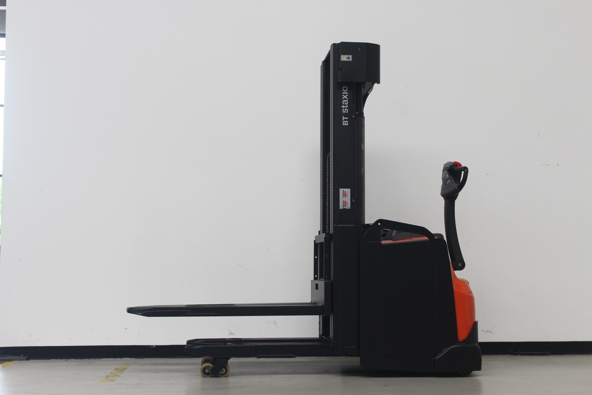 Toyota-Gabelstapler-59840 1703014064 1 21 scaled