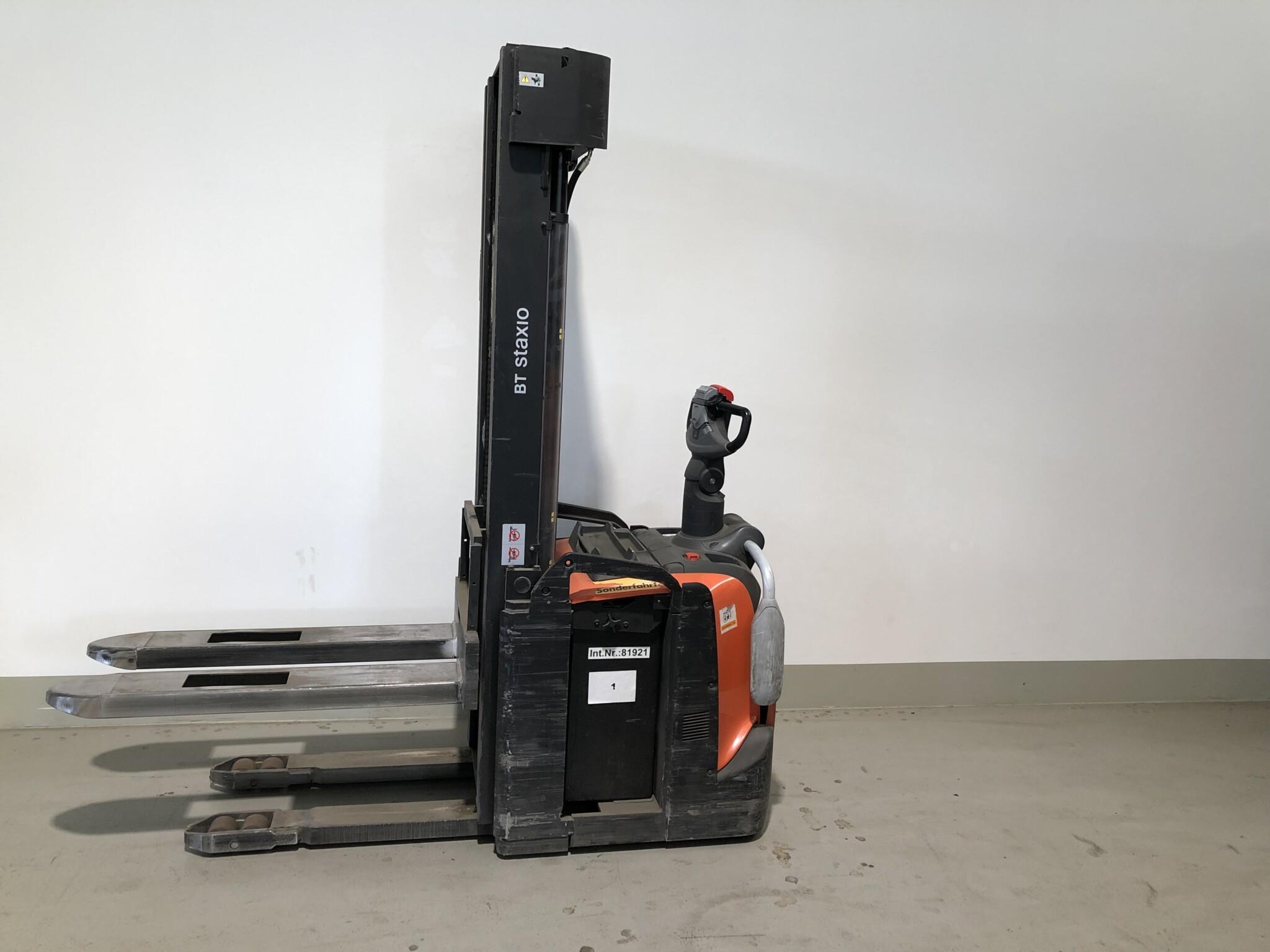 Toyota-Gabelstapler-59840 1705025642 1 scaled