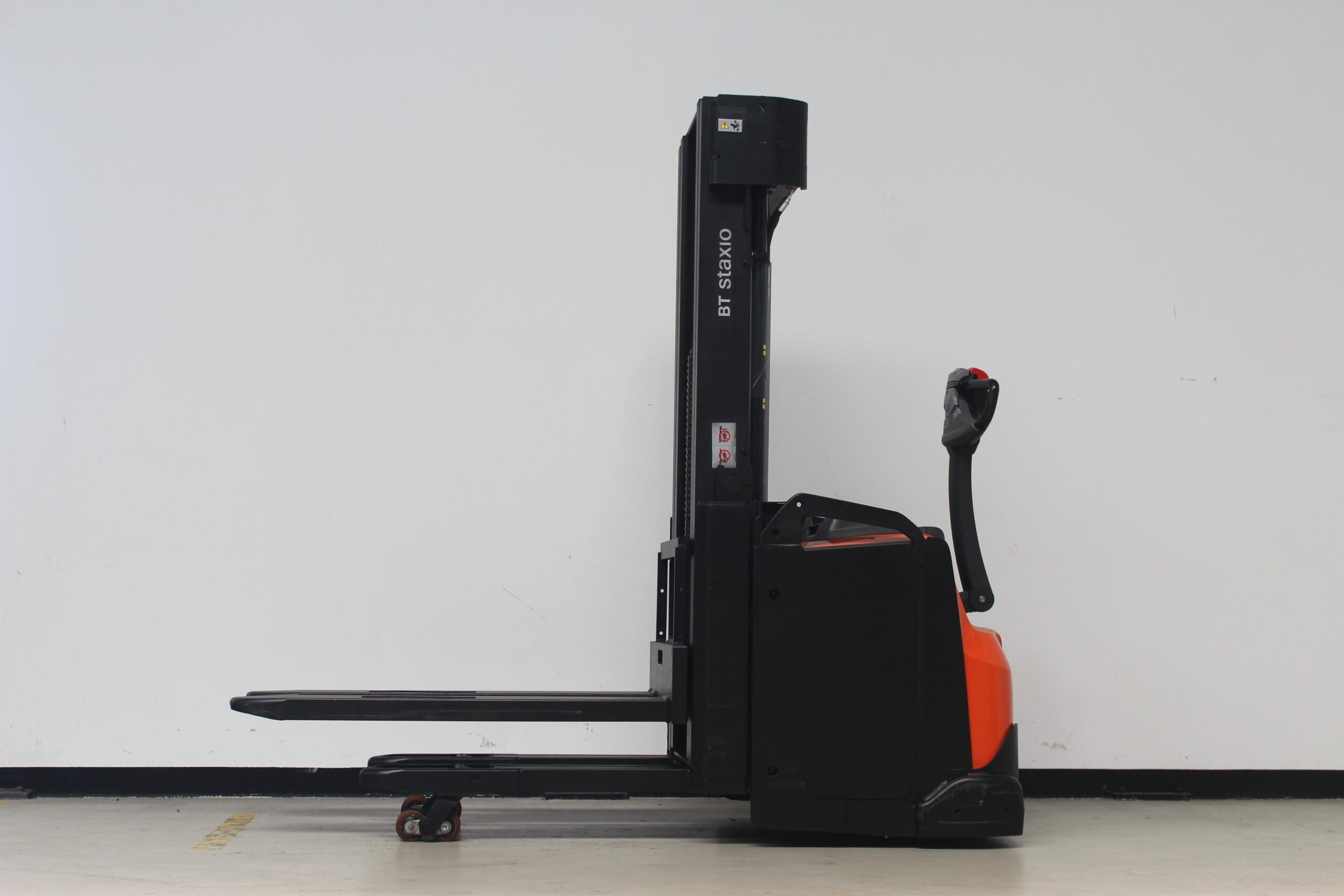 Toyota-Gabelstapler-59840 1706008763 1 36 scaled
