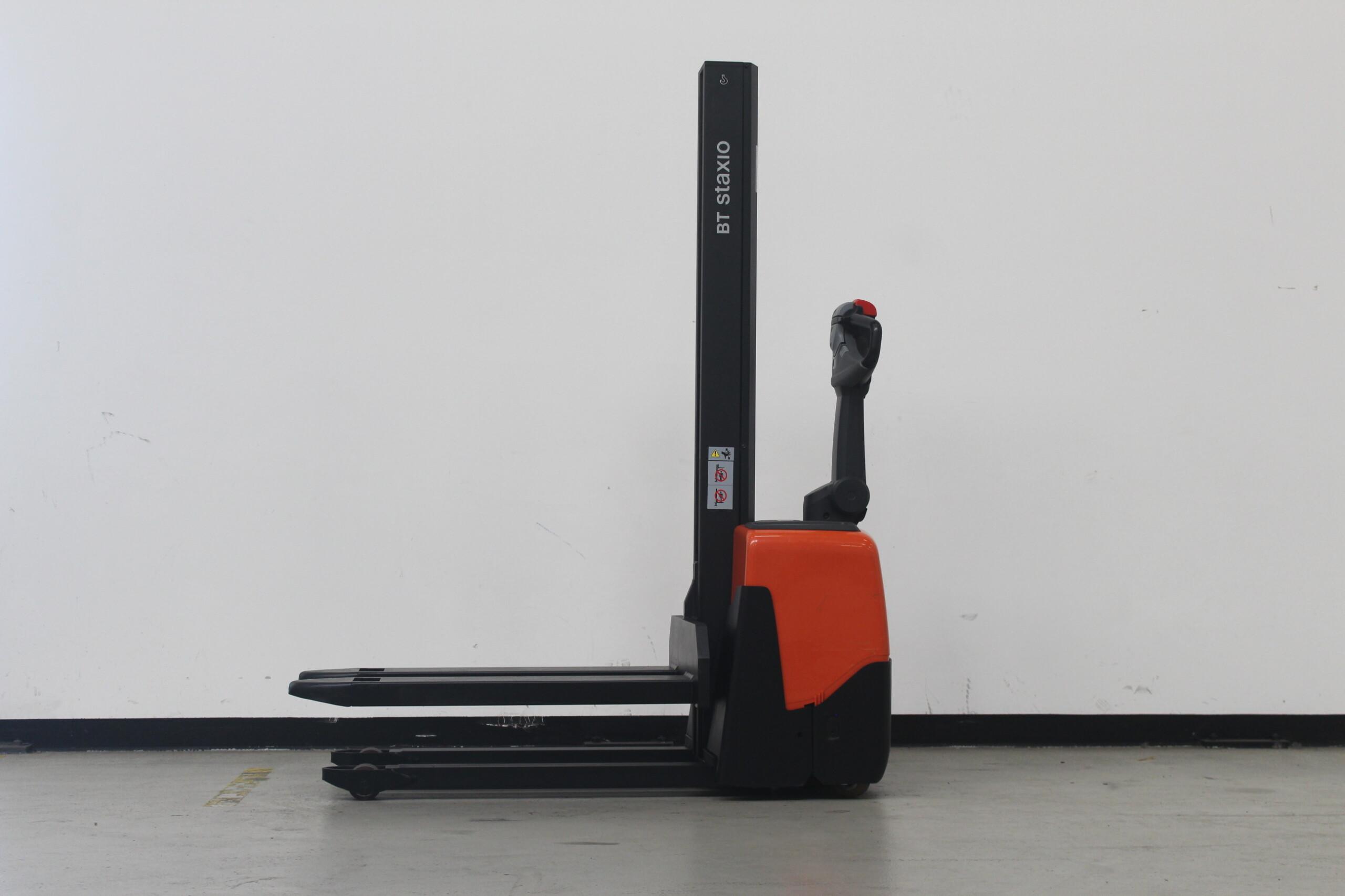 Toyota-Gabelstapler-59840 1707008898 1 4 scaled