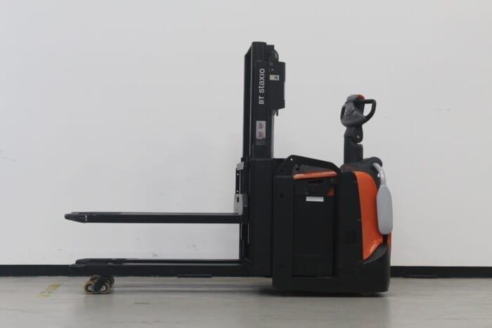 Toyota-Gabelstapler-59840 1707012130 1 13 scaled