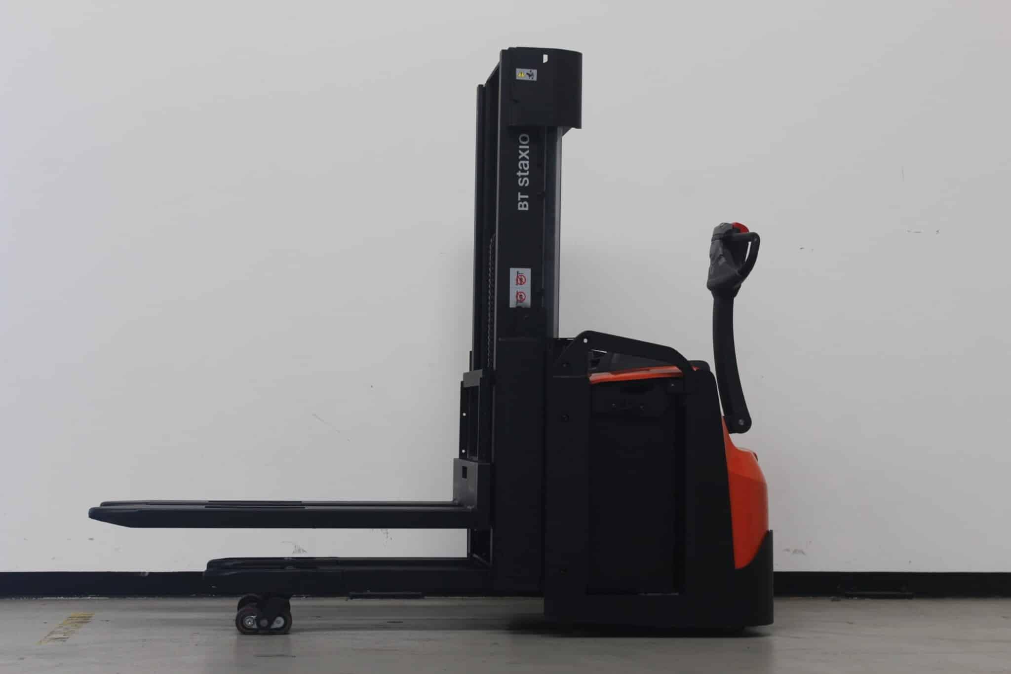 Toyota-Gabelstapler-59840 1707015496 1 1 scaled
