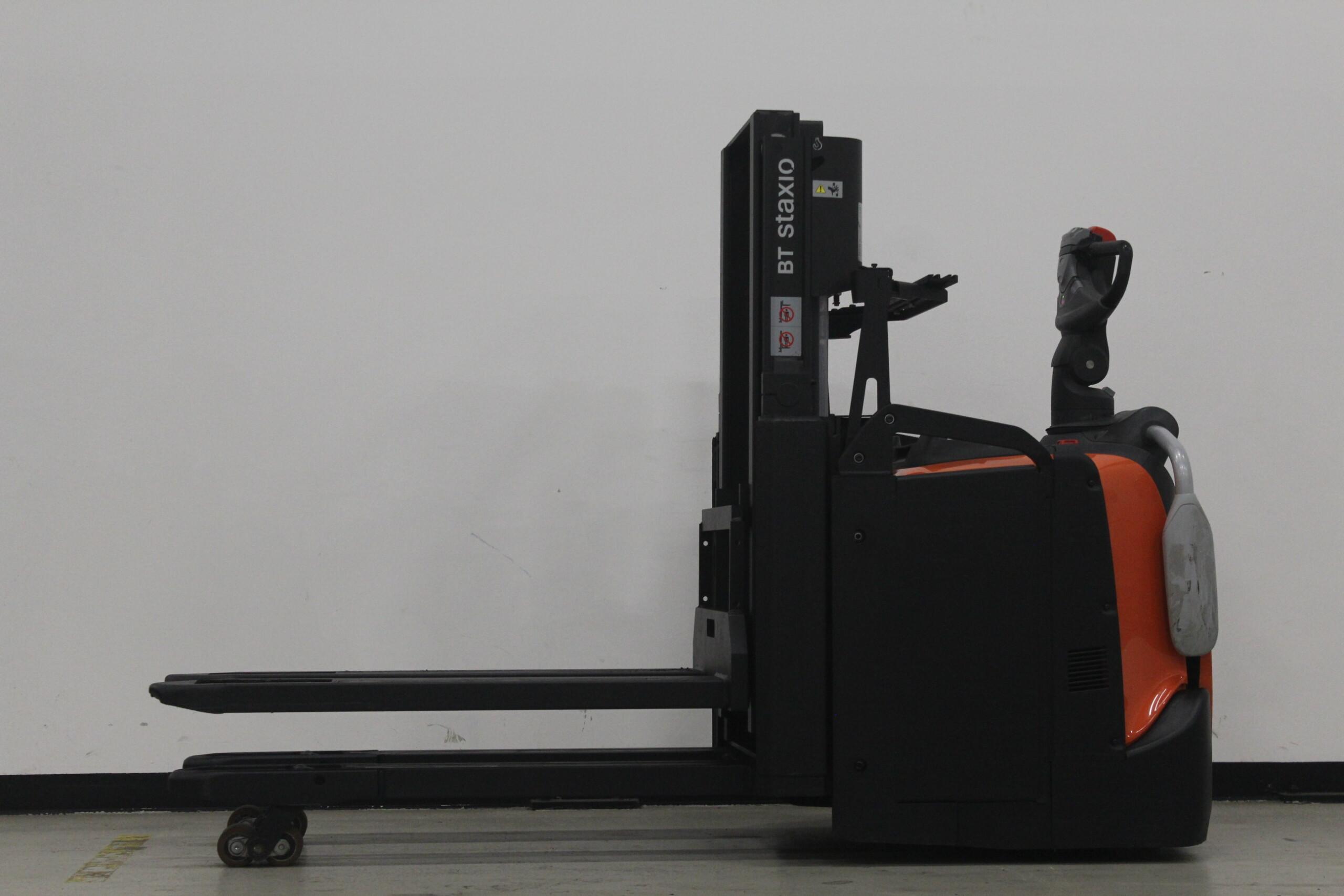 Toyota-Gabelstapler-59840 1708018730 1 26 scaled