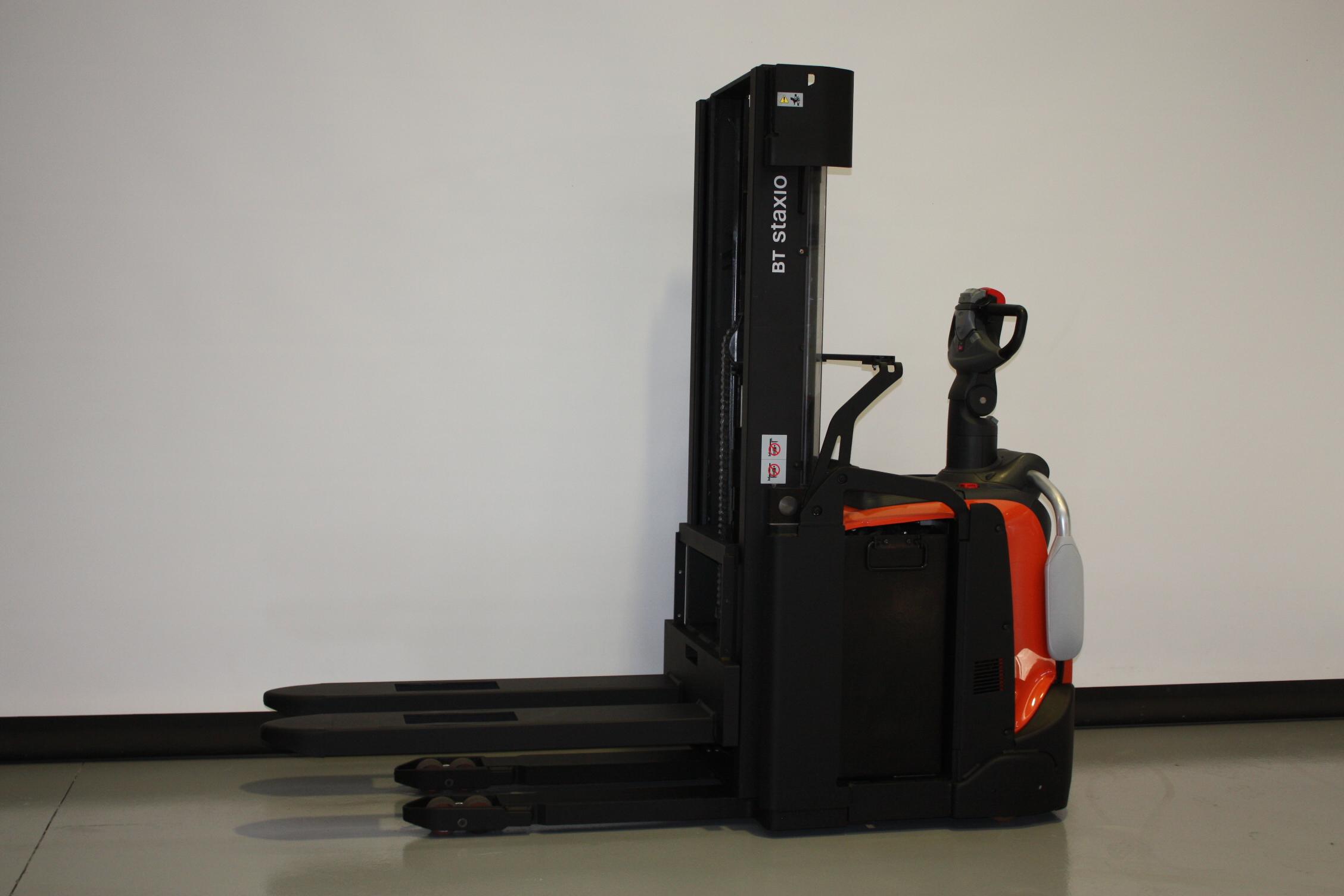 Toyota-Gabelstapler-59840 1711030881 1 35