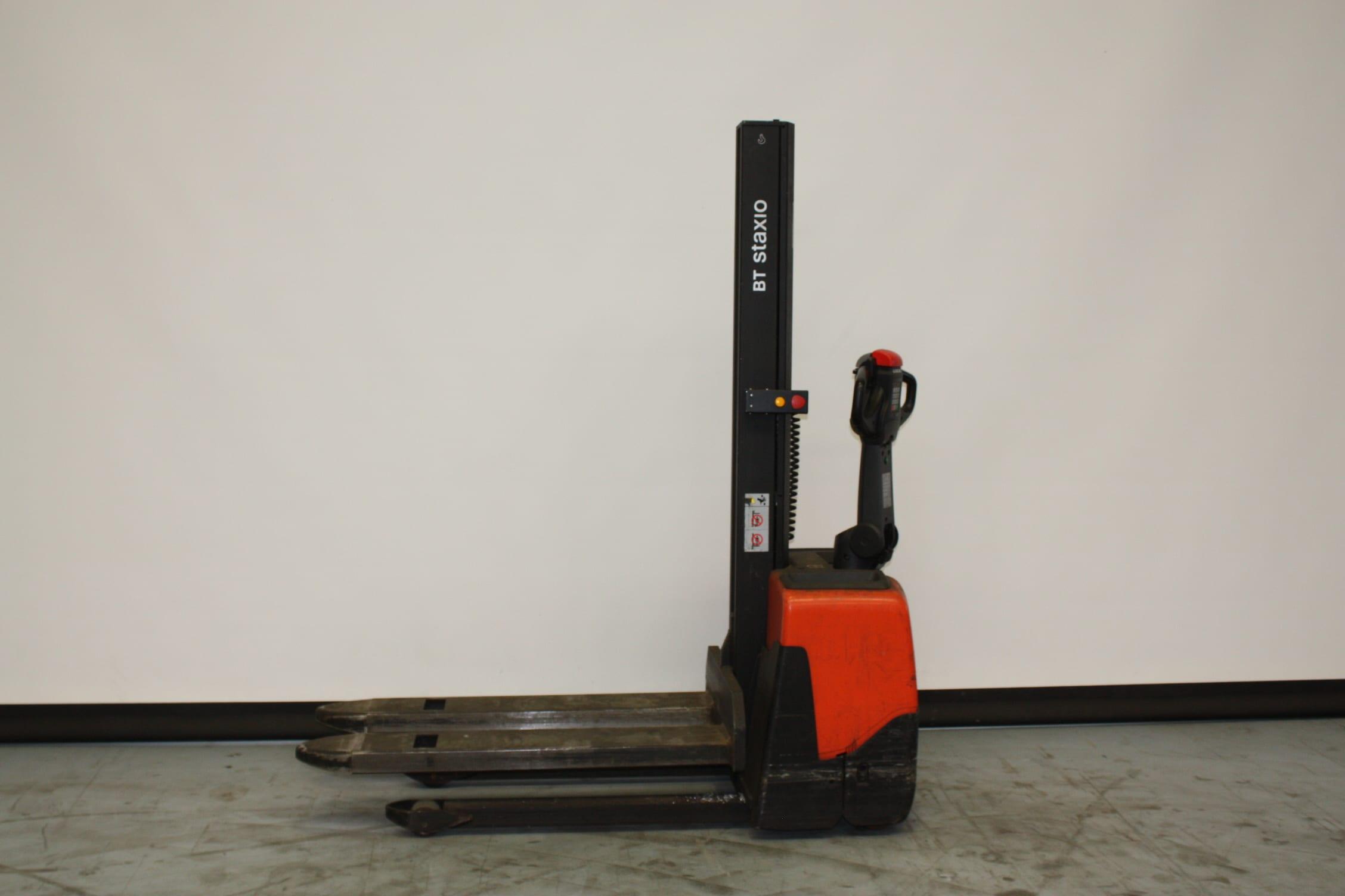 Toyota-Gabelstapler-59840 1802011955 1 2