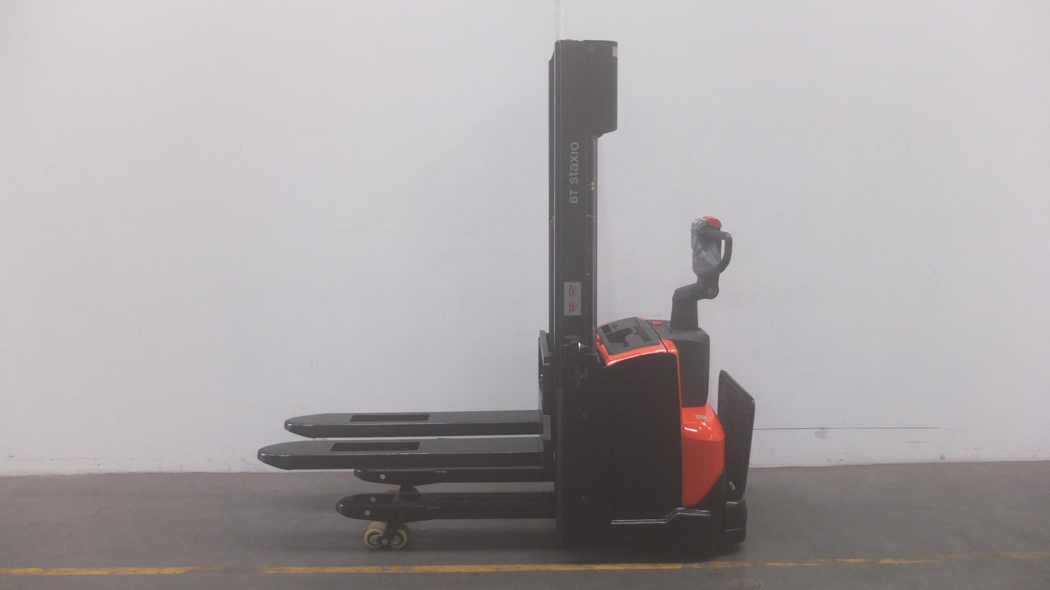 Toyota-Gabelstapler-59840 1802019657 1 scaled