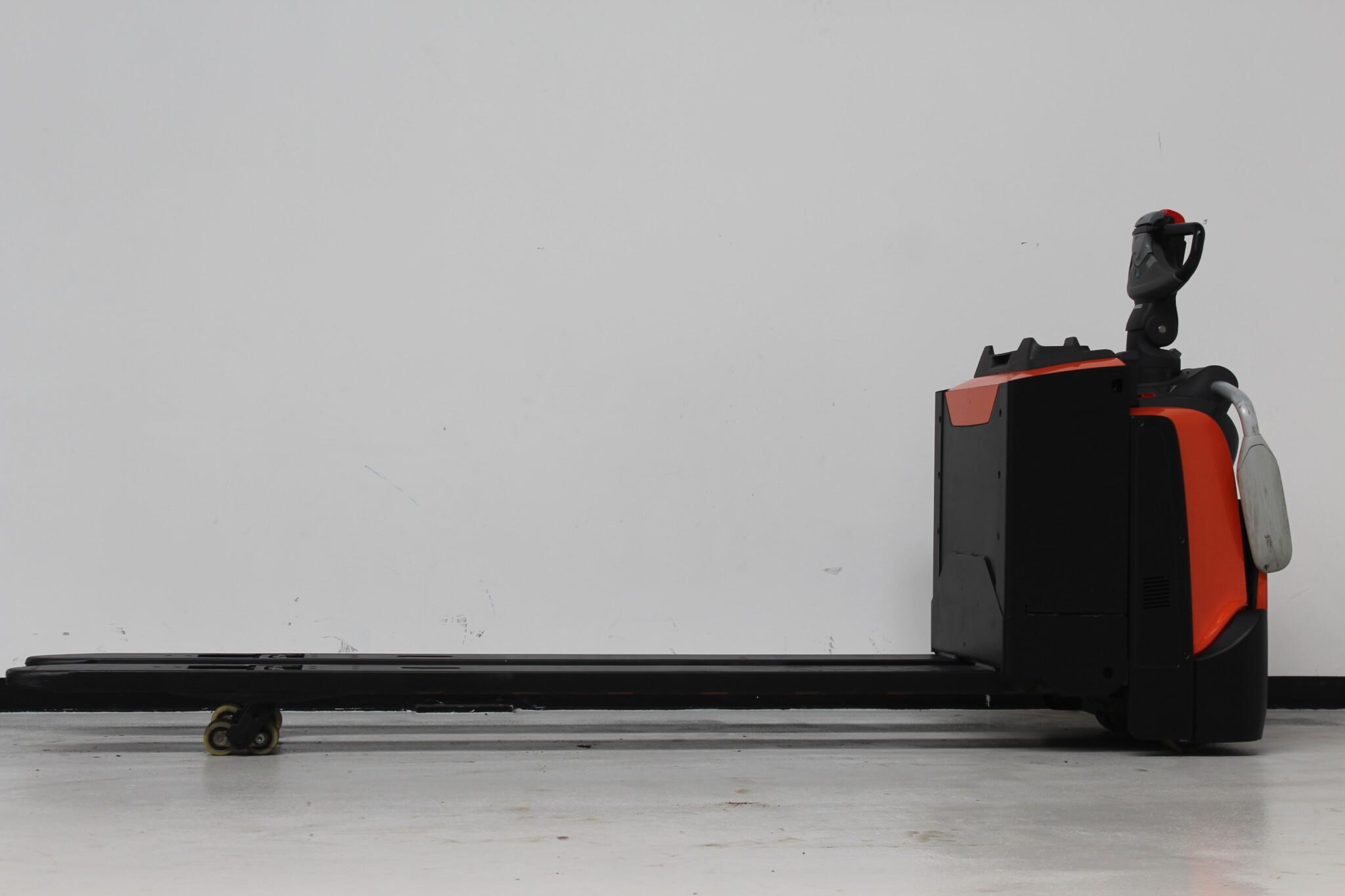 Toyota-Gabelstapler-59840 1803015648 1 scaled