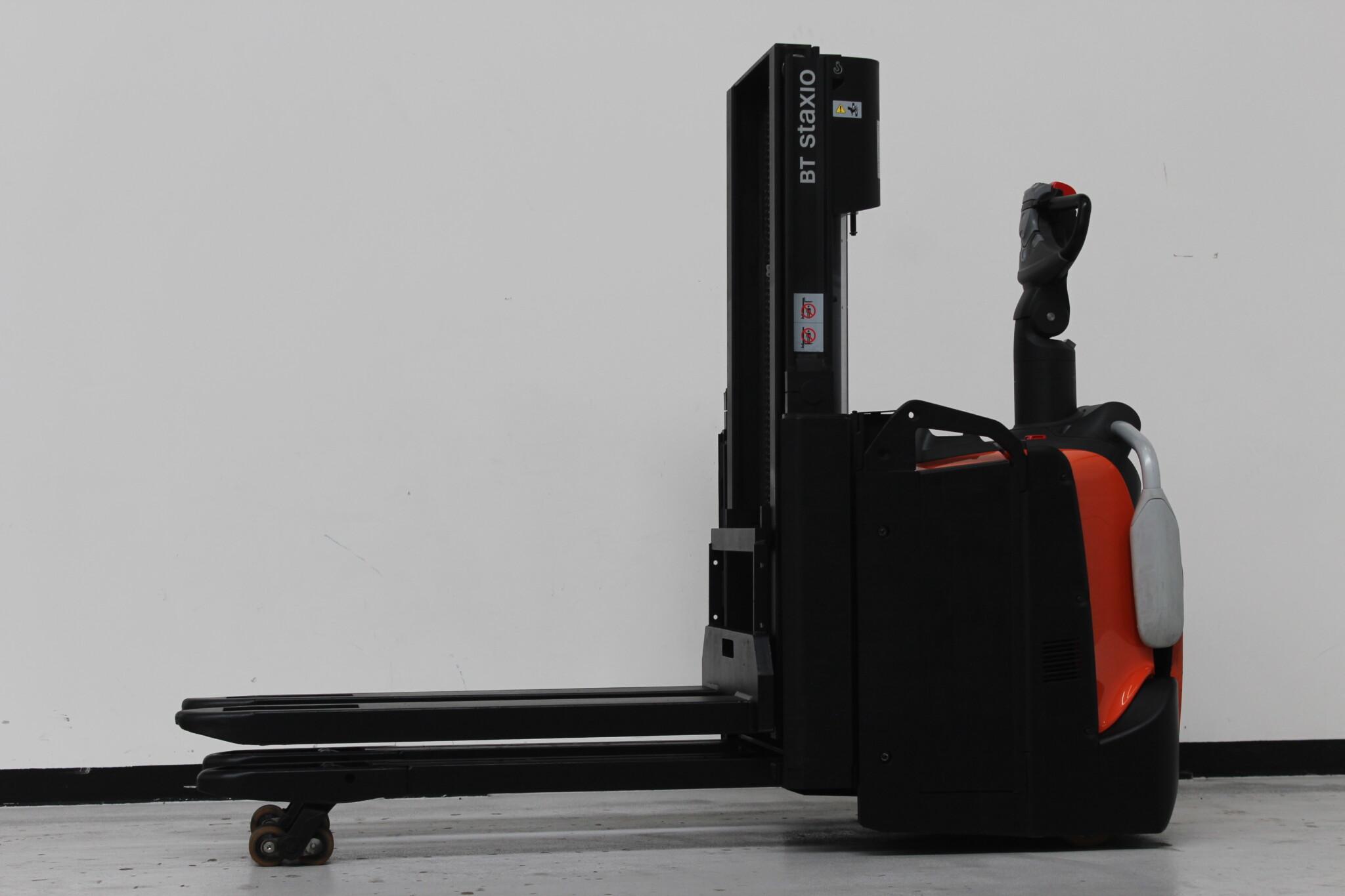 Toyota-Gabelstapler-59840 1804006938 1 scaled