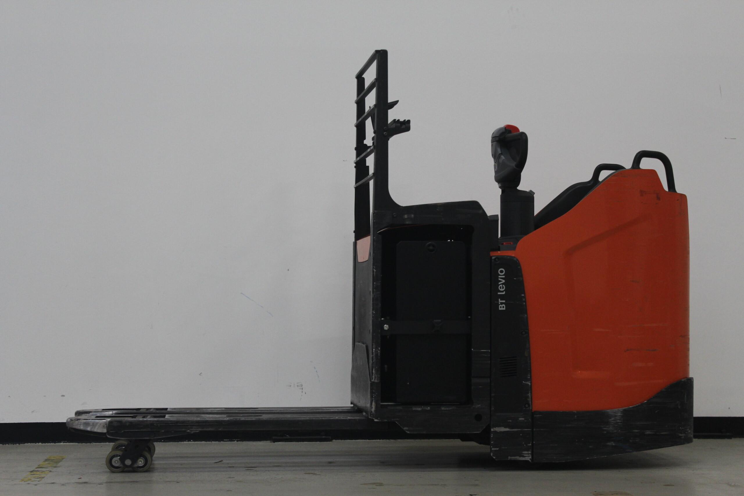 Toyota-Gabelstapler-59840 1805026638 1 51 scaled