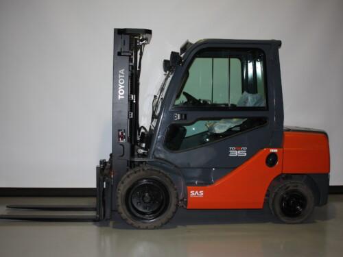 Toyota-Gabelstapler-59840 1806014015 1 6