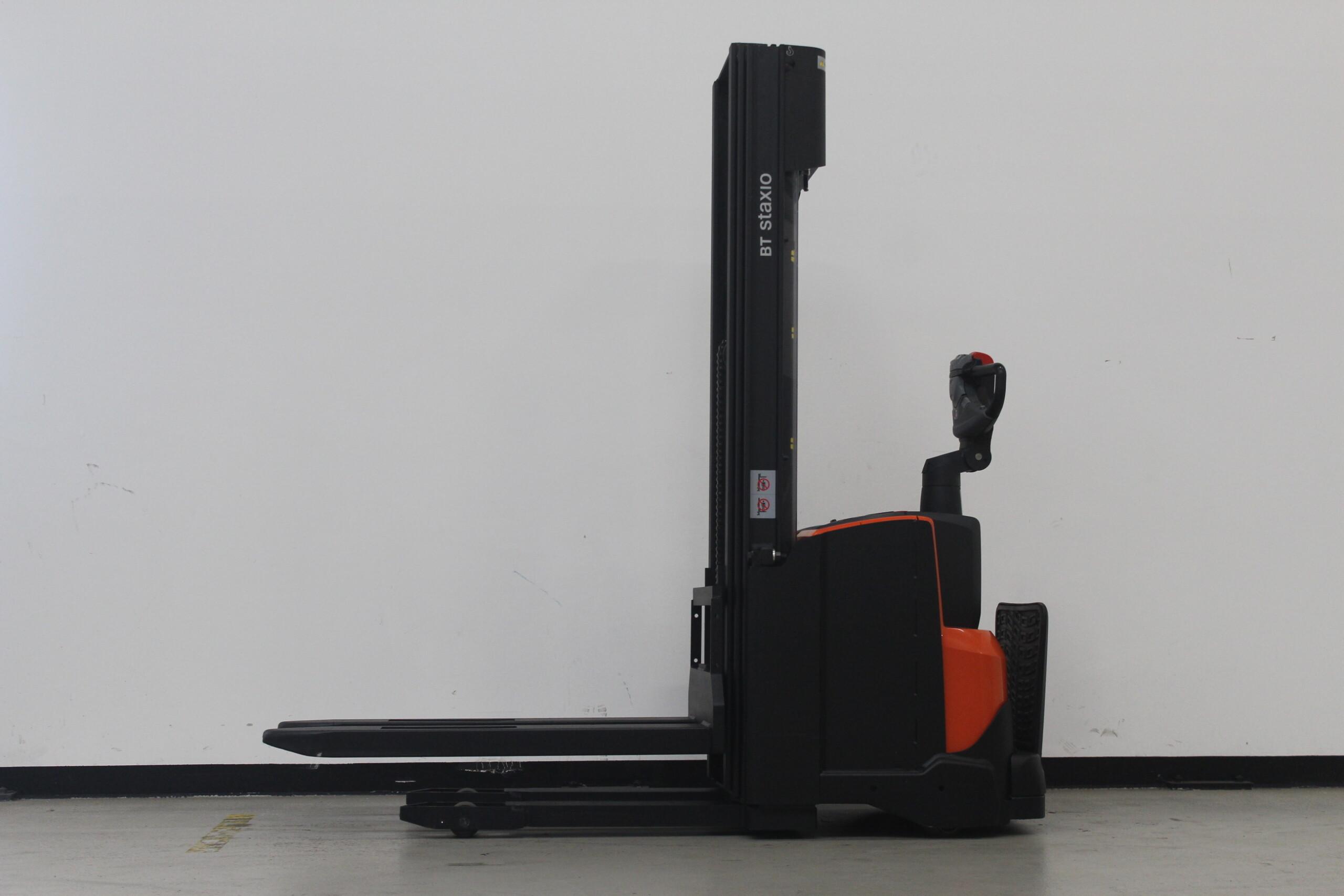 Toyota-Gabelstapler-59840 1806293952 1 53 scaled