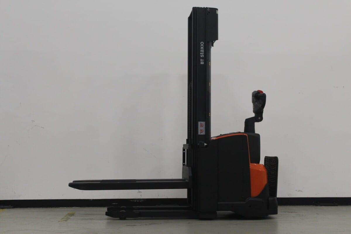 Toyota-Gabelstapler-59840 1806294000 1 38 scaled