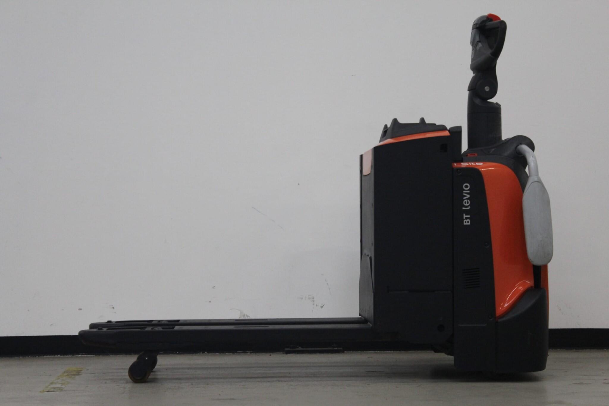 Toyota-Gabelstapler-59840 1810029233 1 scaled