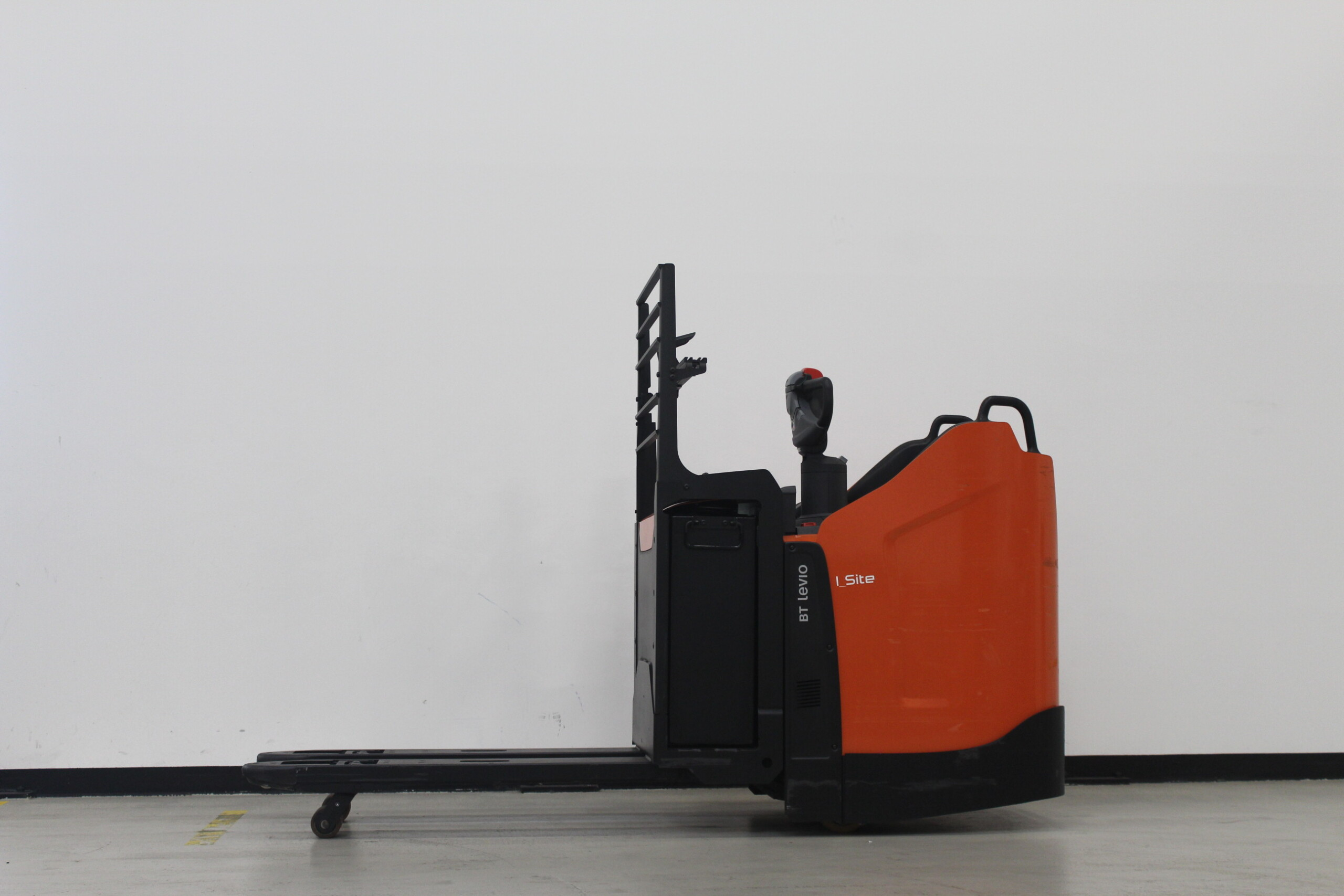 Toyota-Gabelstapler-59840 1812023803 1 47 scaled