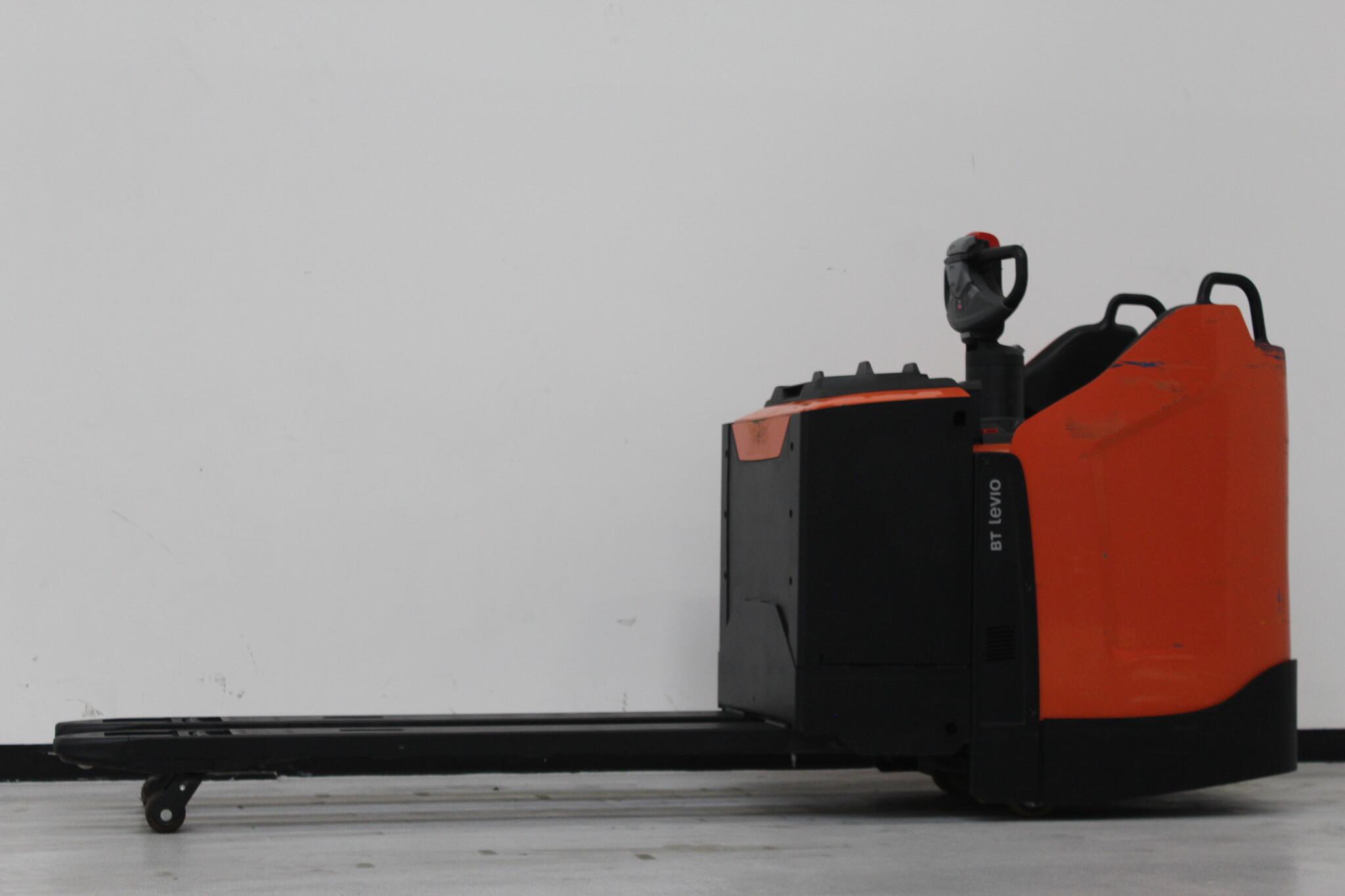 Toyota-Gabelstapler-59840 1901026623 1 scaled
