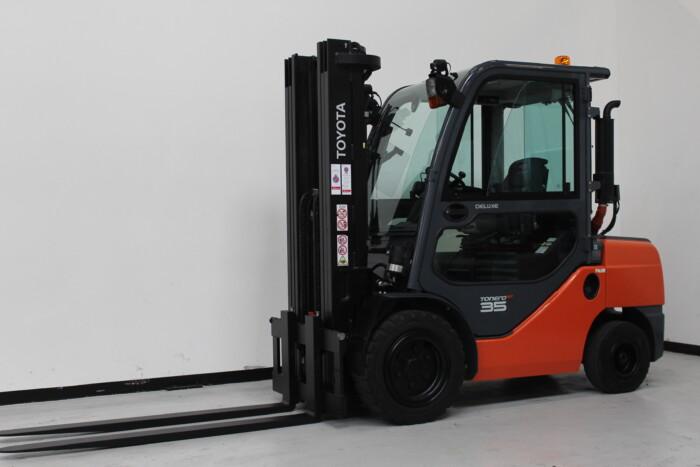 Toyota-Gabelstapler-59840 1901031568 1 scaled