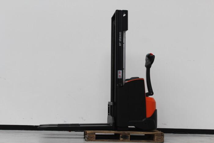 Toyota-Gabelstapler-59840 1904022703 1 scaled