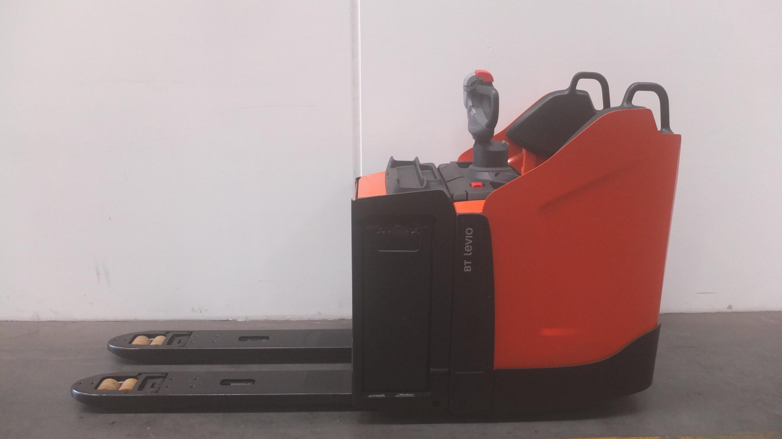 Toyota-Gabelstapler-59840 1905000259 1 35 scaled