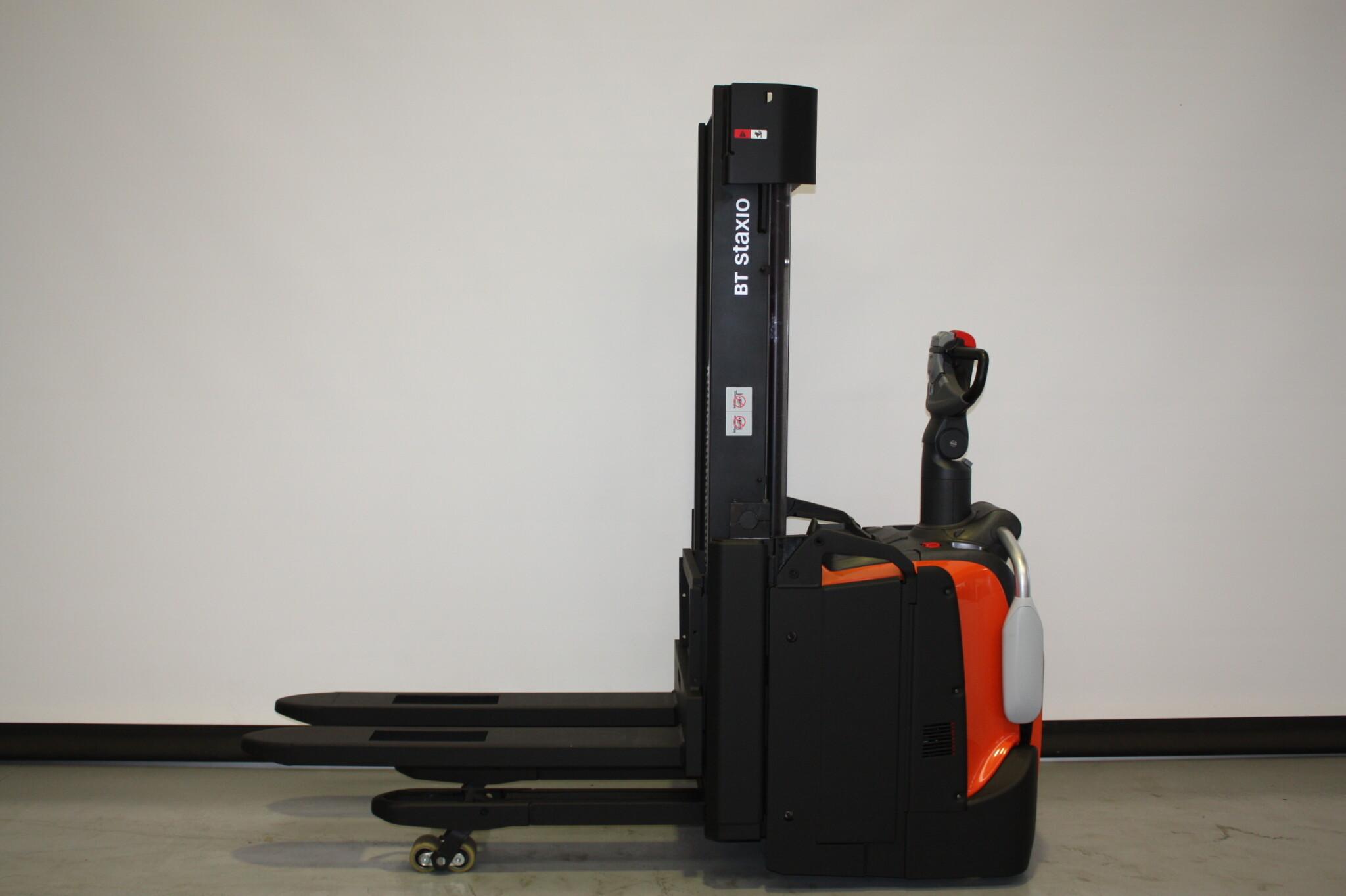 Toyota-Gabelstapler-59840 1906024638 1 scaled