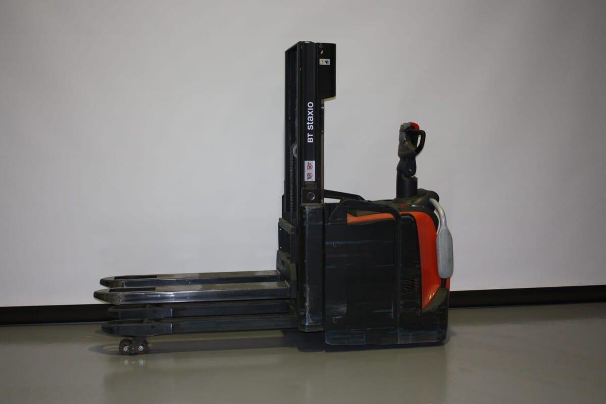 Toyota-Gabelstapler-59840 1906029118 1 11