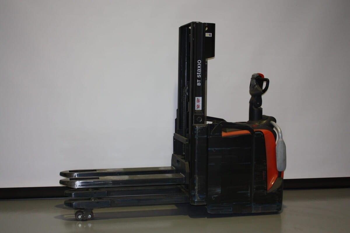 Toyota-Gabelstapler-59840 1906318760 1 14