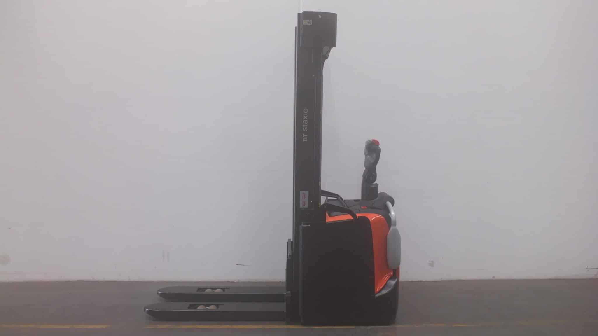 Toyota-Gabelstapler-59840 1909036242 1 1 scaled