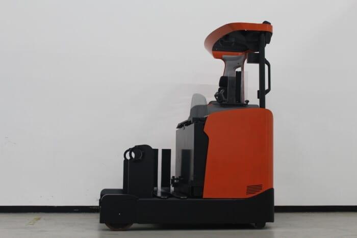 Toyota-Gabelstapler-59840 1910026391 1 scaled