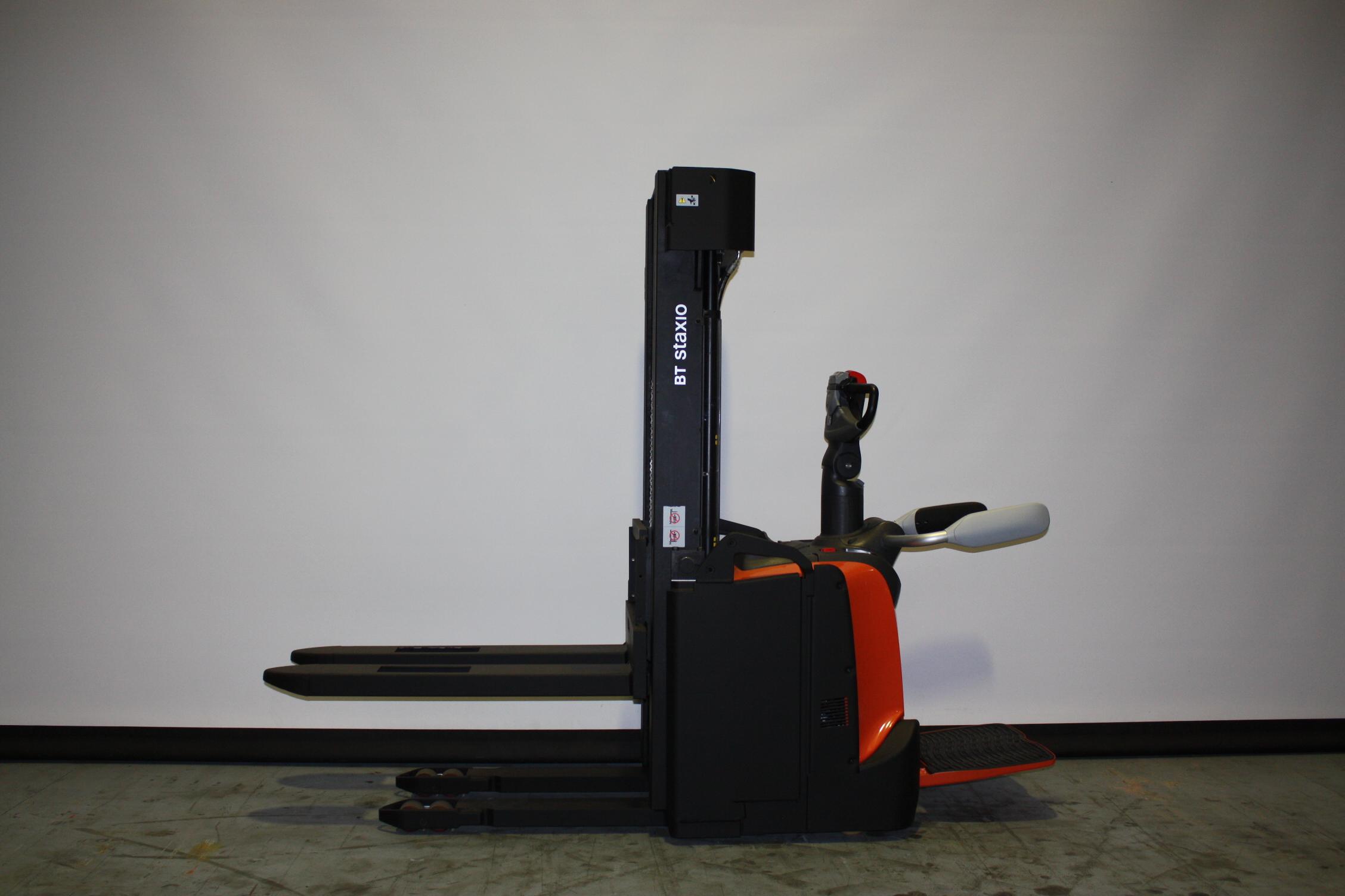 Toyota-Gabelstapler-59840 1911001906 1 54