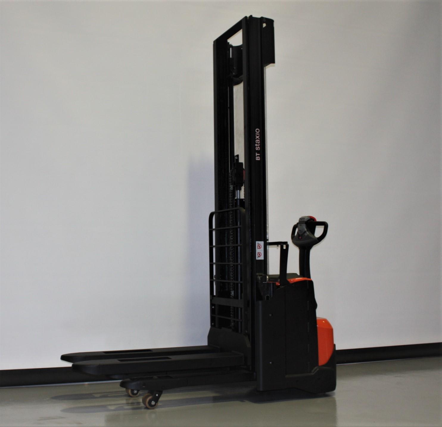 Toyota-Gabelstapler-59840 1911033560 1 10