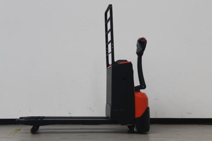 Toyota-Gabelstapler-59840 1912004834 1 scaled