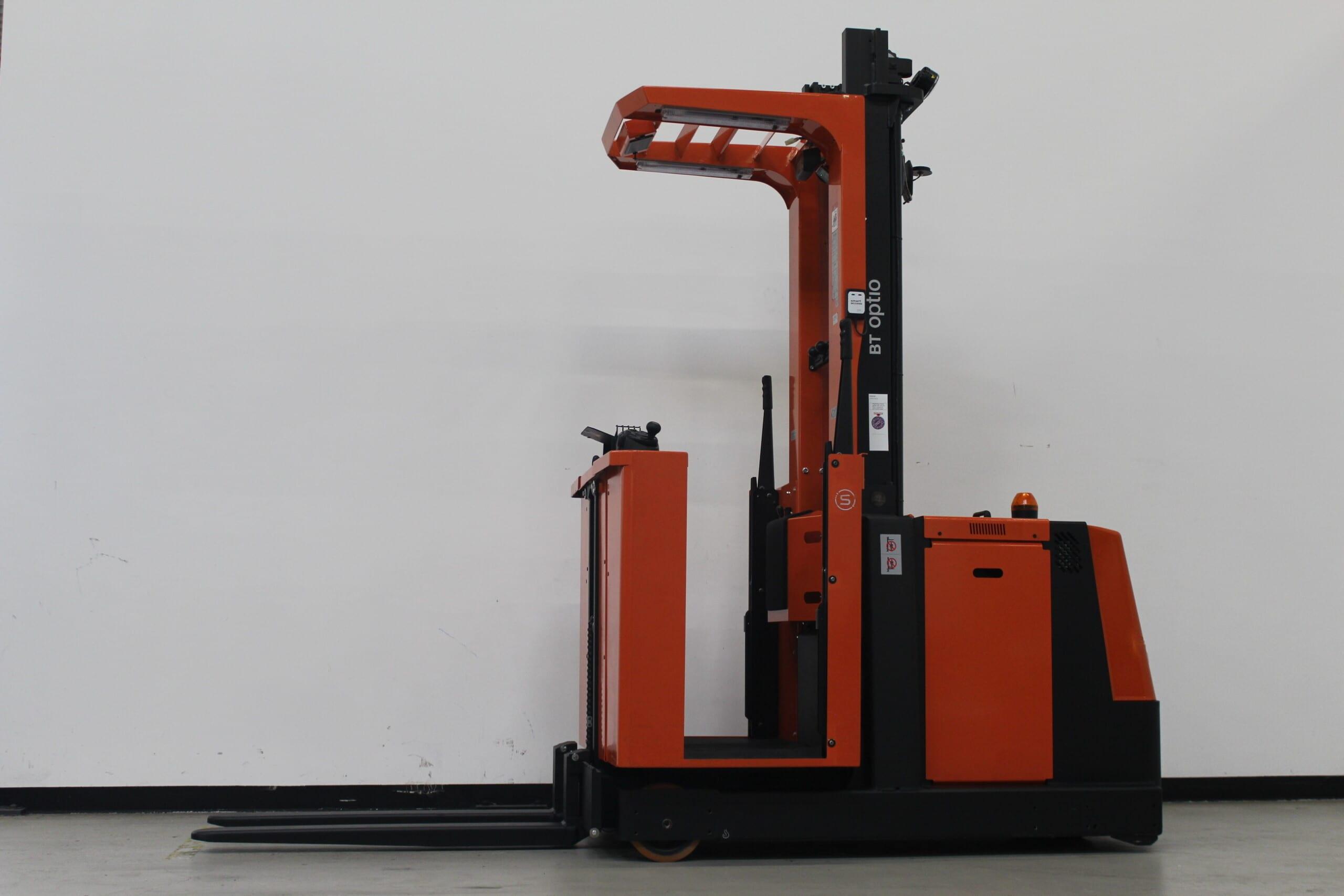 Toyota-Gabelstapler-59840 1912006846 1 scaled