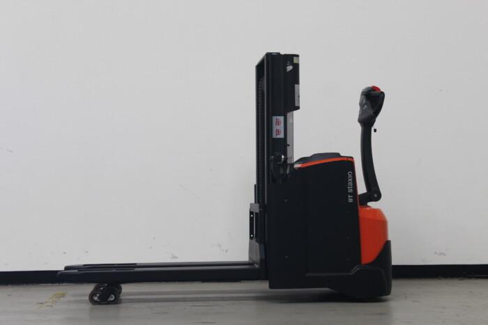 Toyota-Gabelstapler-59840 1912008670 1 scaled