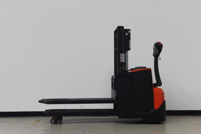 Toyota-Gabelstapler-59840 1912009448 1 scaled
