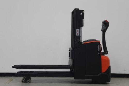 Toyota-Gabelstapler-59840 1912017493 1