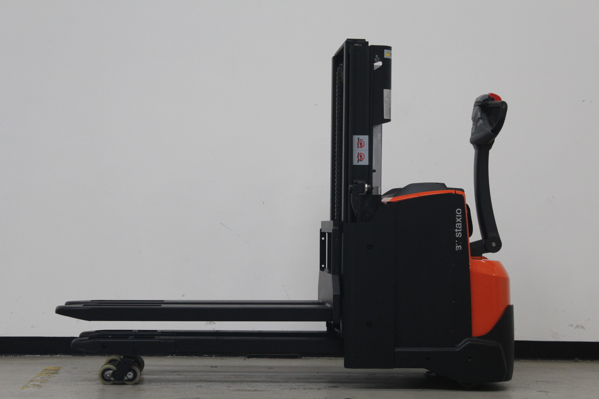 Toyota-Gabelstapler-59840 1912017493 1 scaled