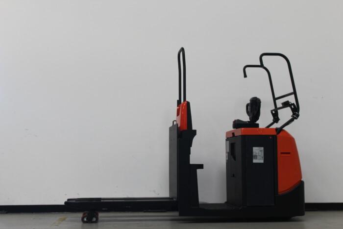 Toyota-Gabelstapler-59840 2001003449 1 scaled