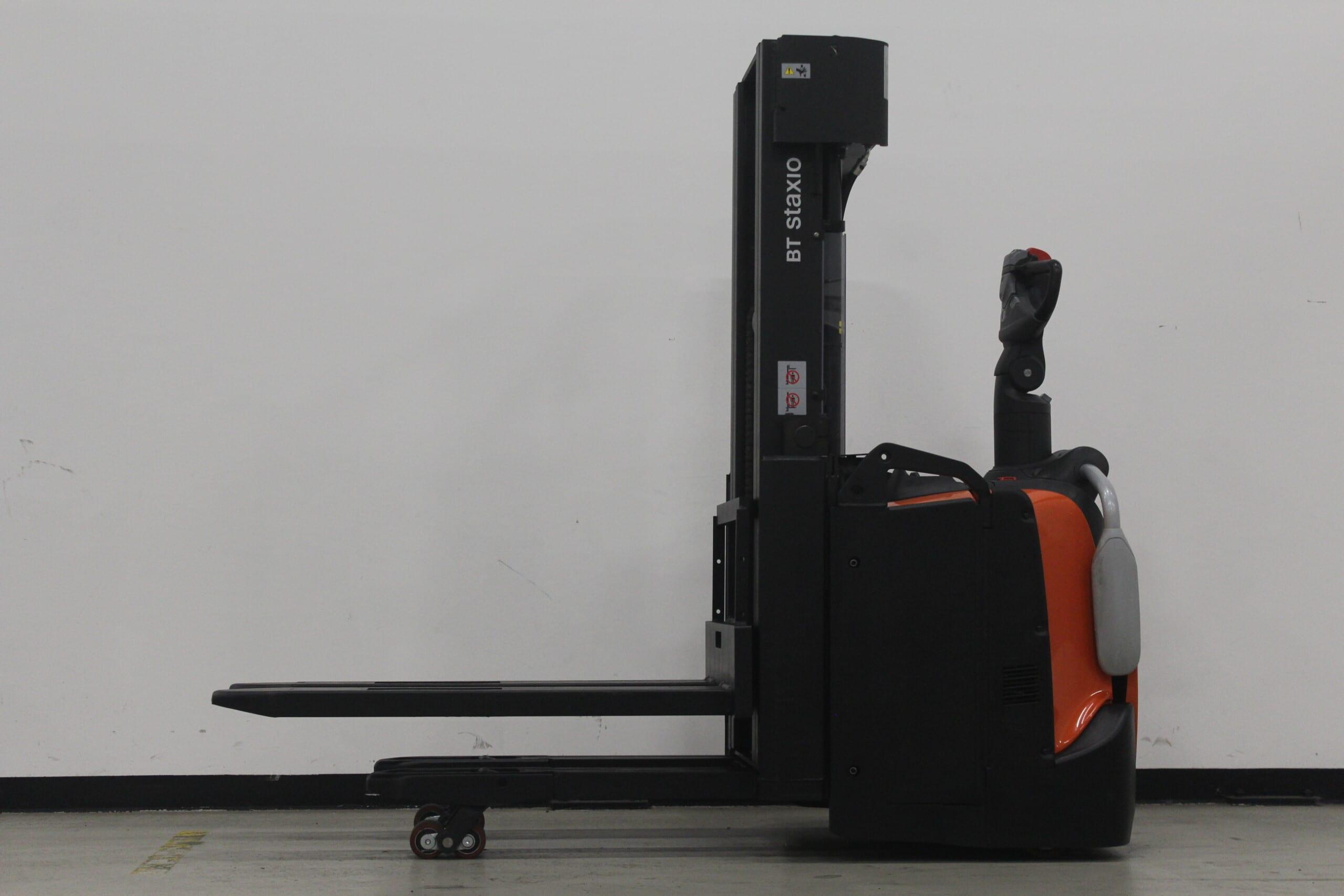 Toyota-Gabelstapler-59840 2001033735 1 scaled