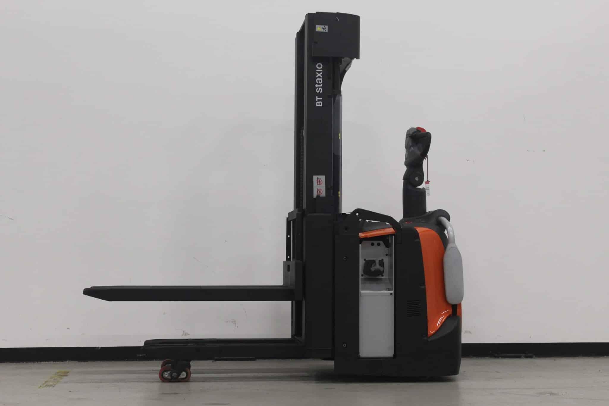 Toyota-Gabelstapler-59840 2003041031 1 scaled