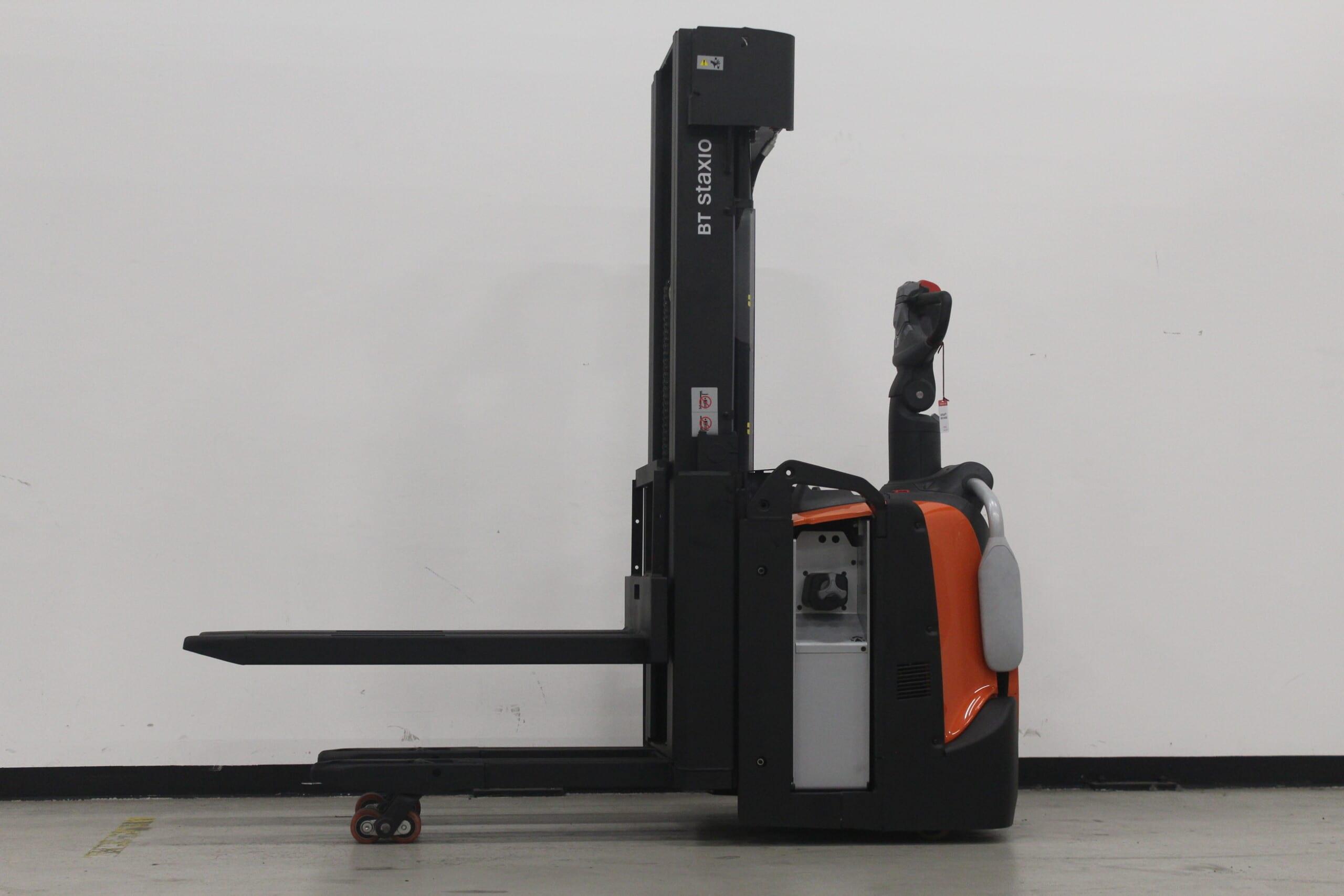 Toyota-Gabelstapler-59840 2003041032 1 scaled