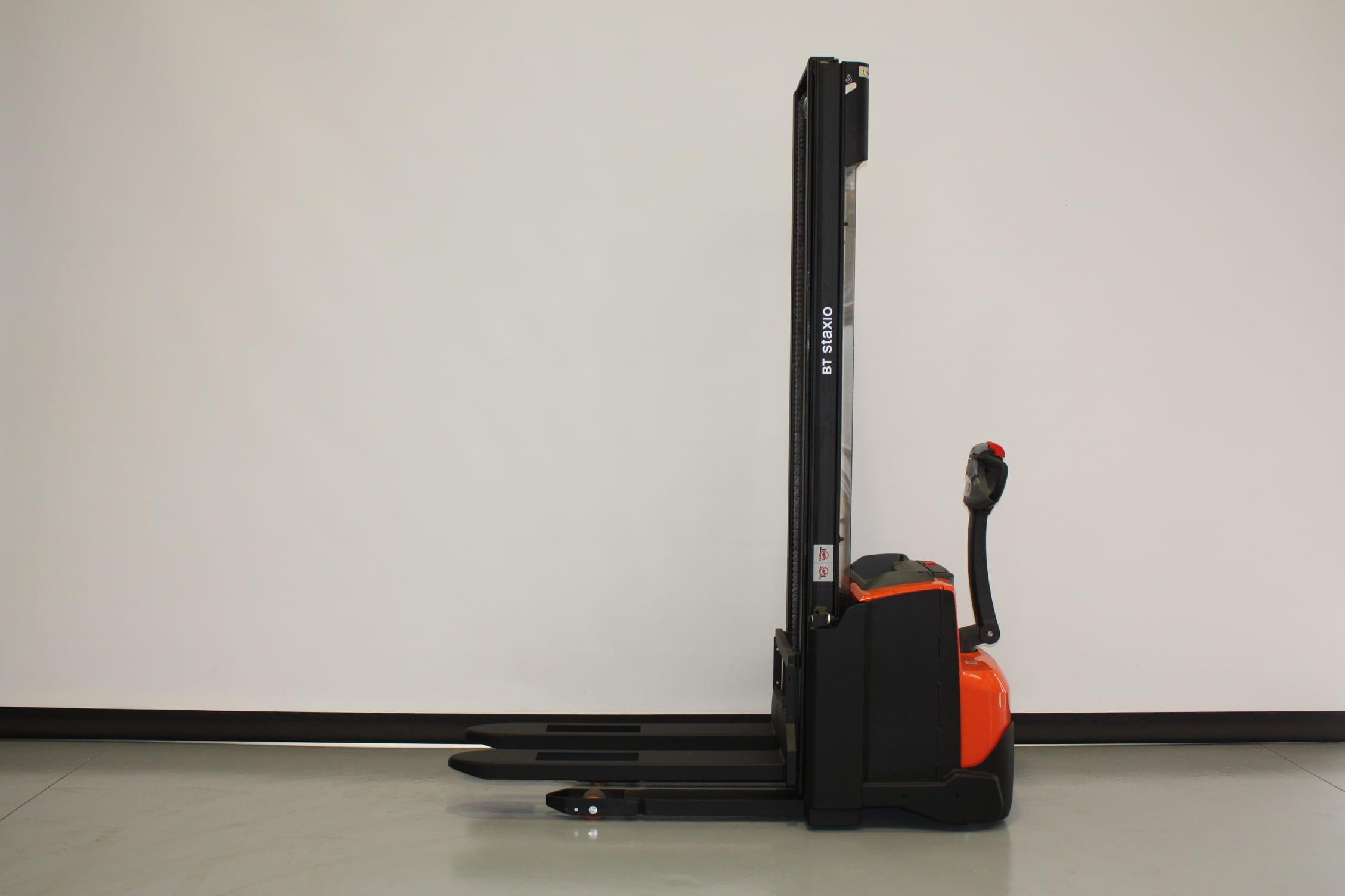 Toyota-Gabelstapler-59840 2010020853 1