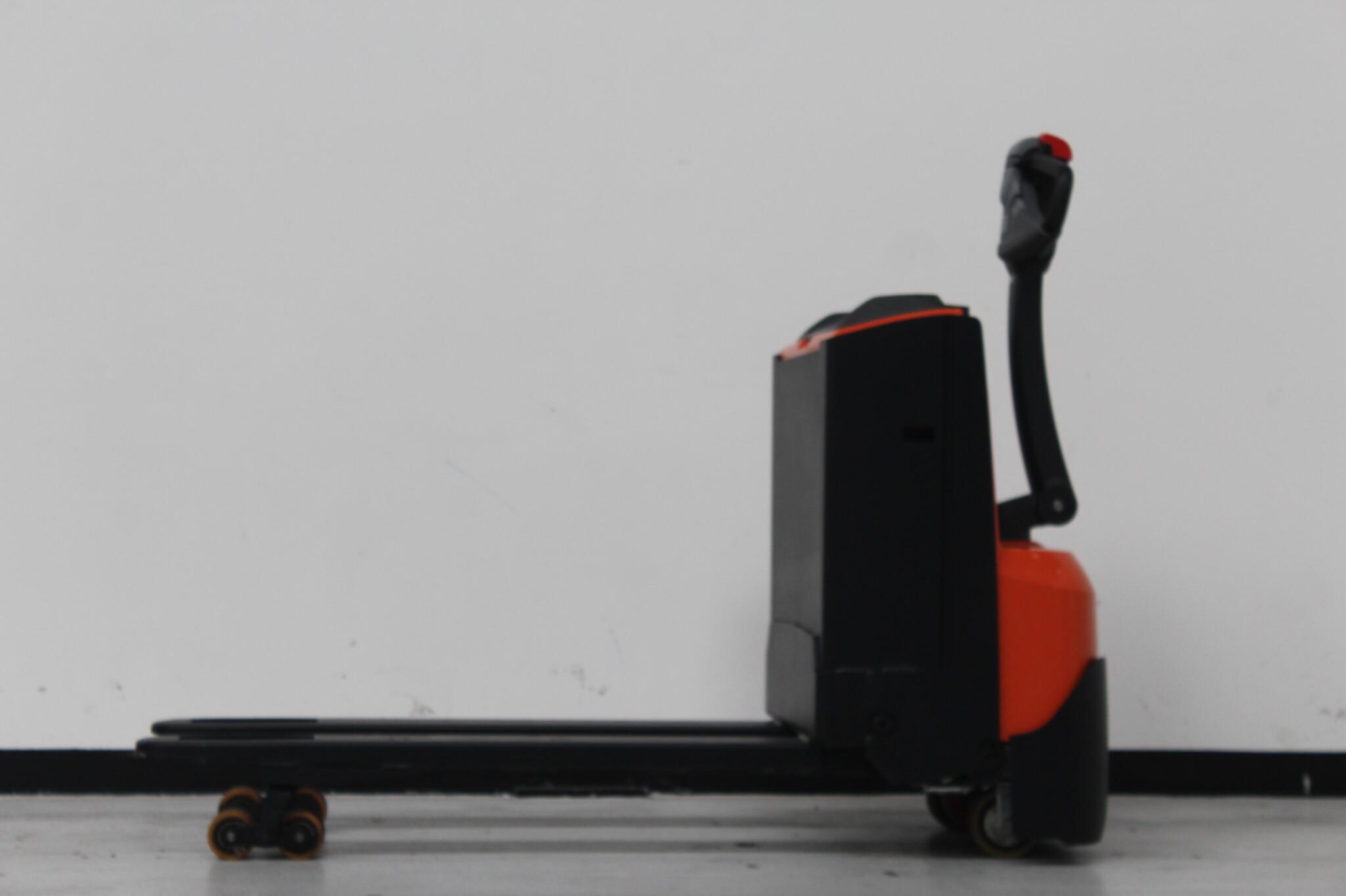 Toyota-Gabelstapler-59840 2010035191 1 scaled