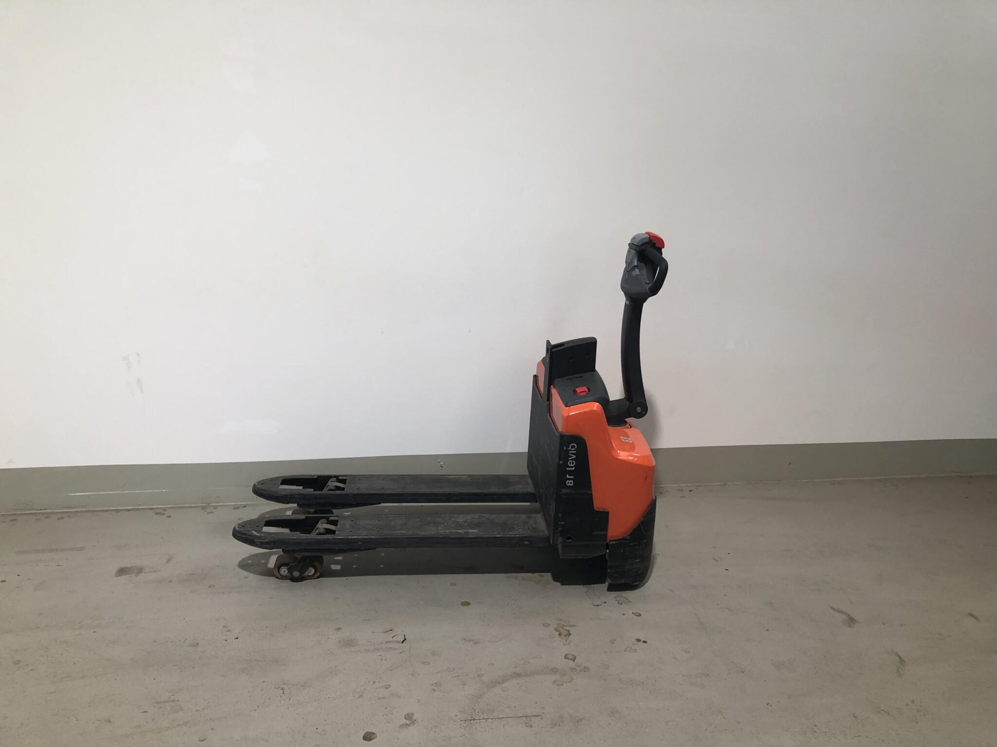 Toyota-Gabelstapler-59840 2012025268 1 scaled