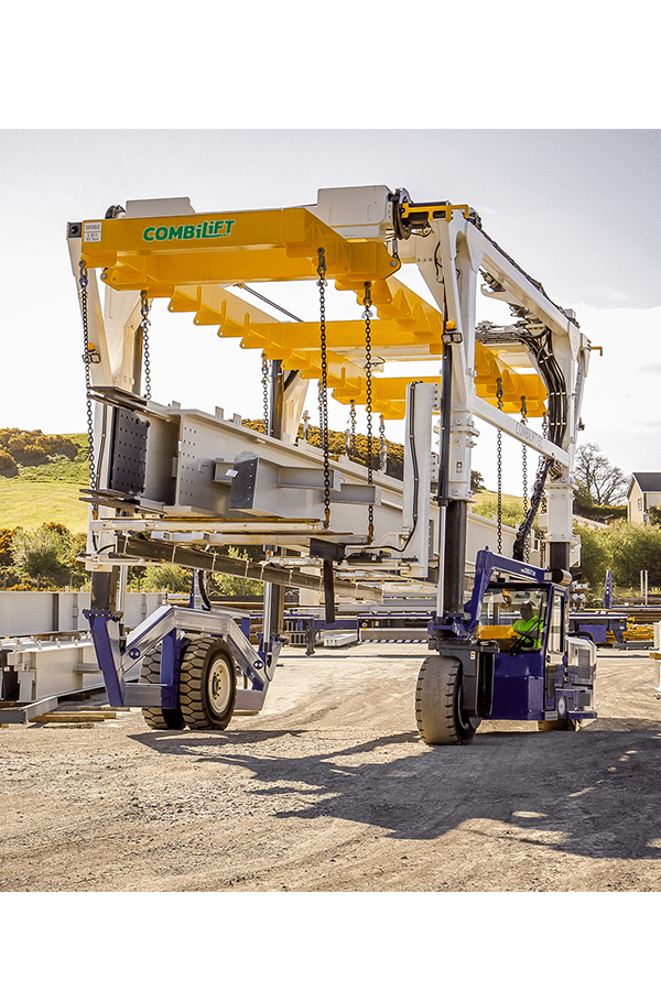 ITL-Gabelstapler-Saarland-Combilift-Straddle-Carrier-Containerstapler-Reachstacker-6
